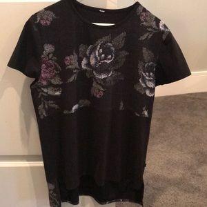 Lululemon short sleeve floral tank